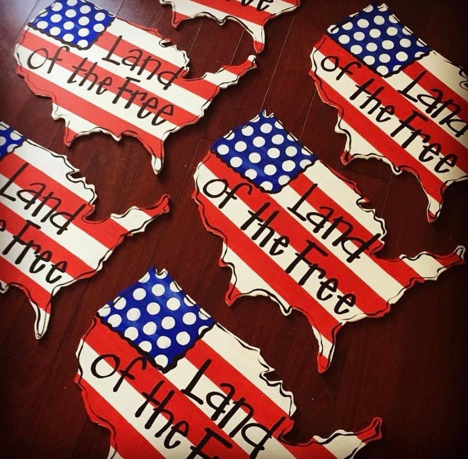 Land of the Free USA Door Hangers - How to Batch Paint by Southern ADOORnments