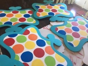 Polka Dot Door Hangers - How to Batch Paint by Southern ADOORnments